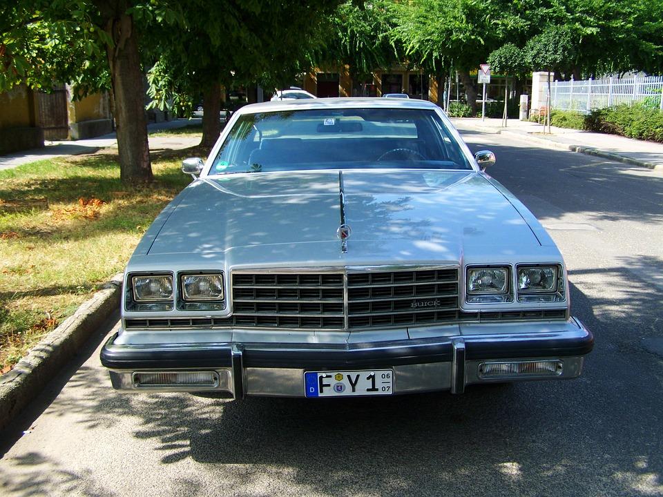 old-car-870456_960_720