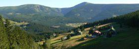 Kde najdeme nejvyšší a nejhlubší přirozené místo v Čechách?